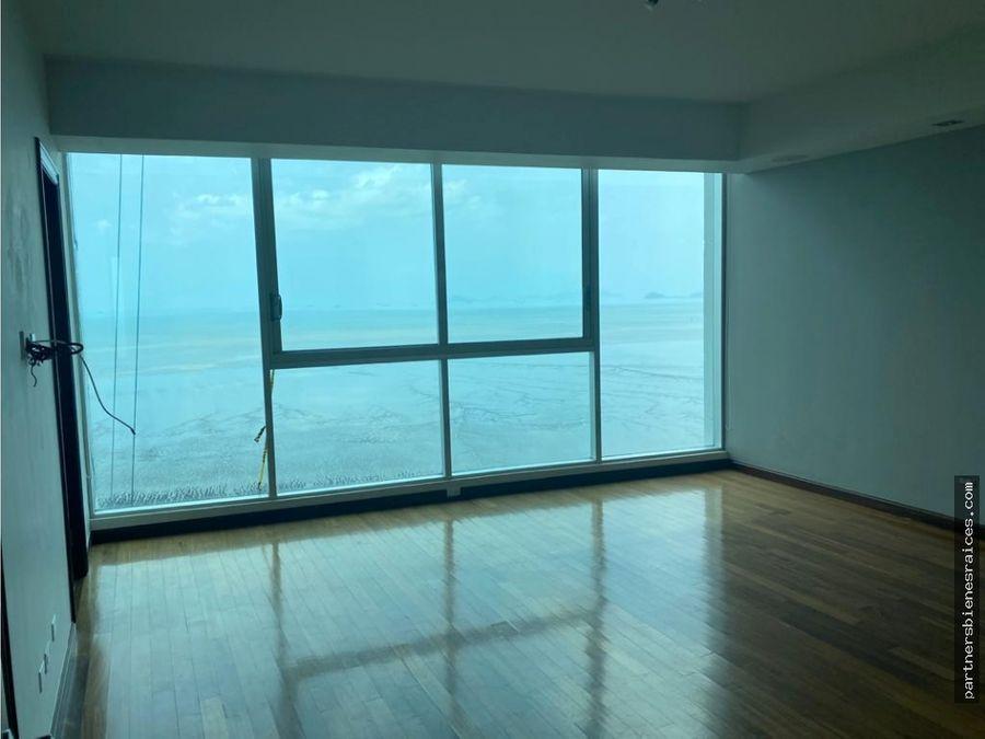 alquilo espectacular apartamento ocean two linea blanca