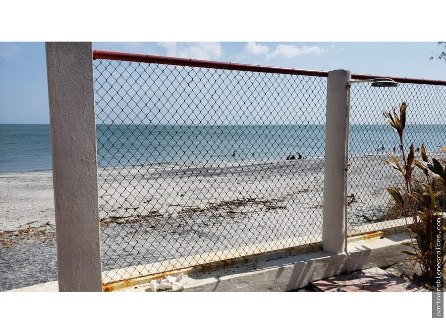 venta de casa frente al mar juan hombron