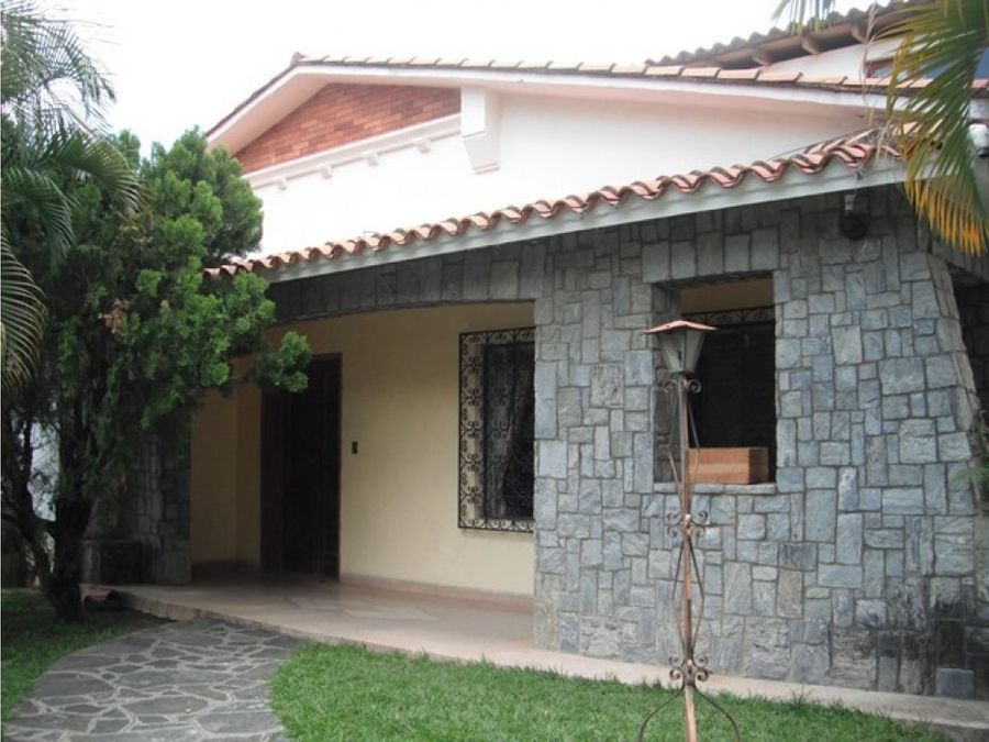 venta casa en altamira parte alta 450 m2