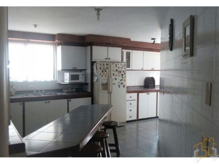 amplia casa en monterrey 722 m2