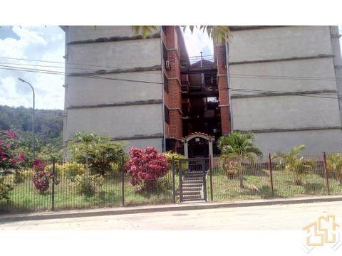 apartamento 72 m2 conjresla moncloa guarenas