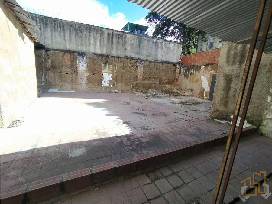 venta local comercial 600 m2 av romulo gallegos los dos caminos
