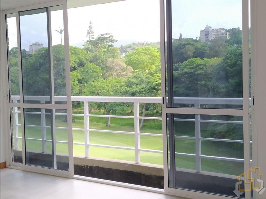 apartamento 120 m2 con vista al campo de golf