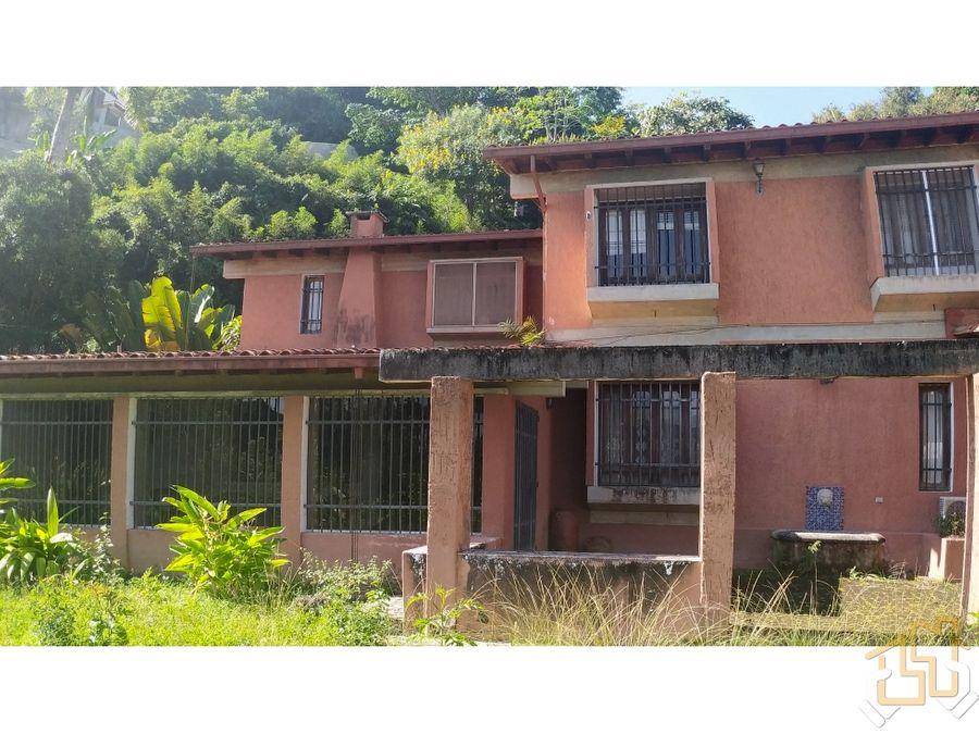 casa estilo colonial con terreno de 5000 m2 alto hatillo