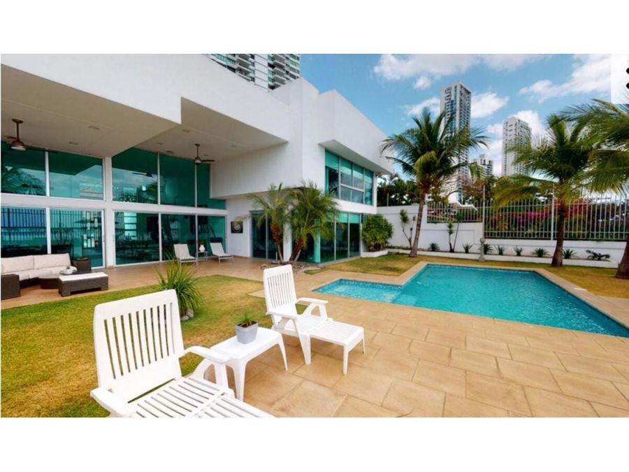casa en venta frente al mar con piscina vl