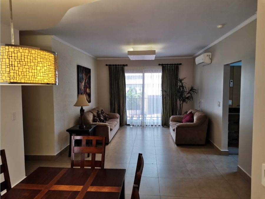 apartamento de lujo en embassy village