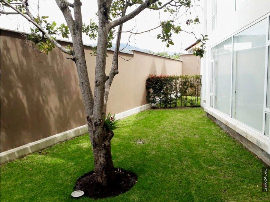 venta departamento con jardin la primavera cumbaya