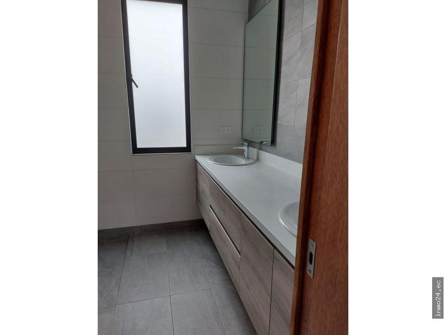 venta departamento moderno de estreno terraza uso exclusivo tumbaco