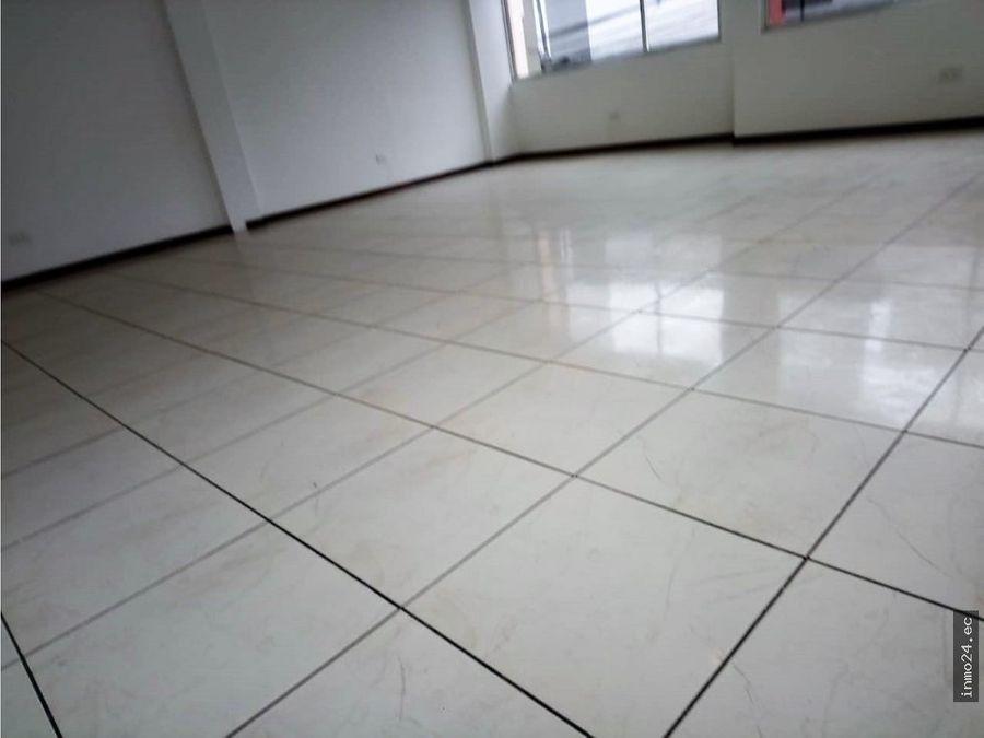 en renta local comercial sector carapungo40m2