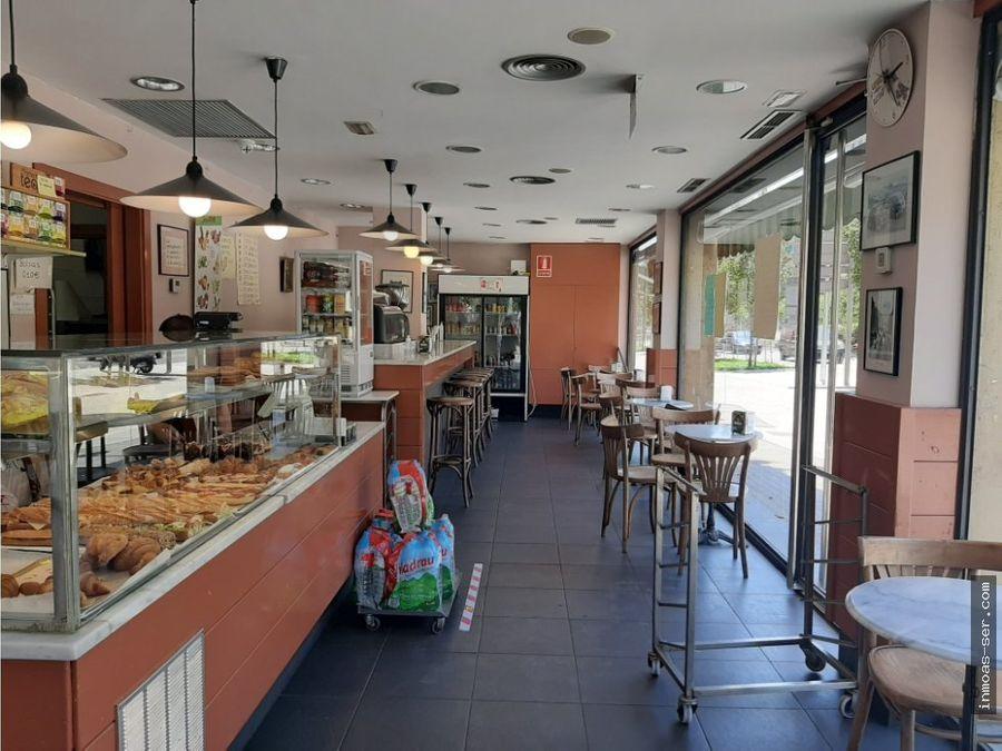 traspaso panaderia degustacion c1 esquinero con terraza en meridiana