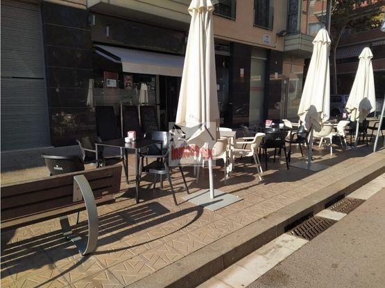 traspaso bar restaurante c 2 con terraza en el clot