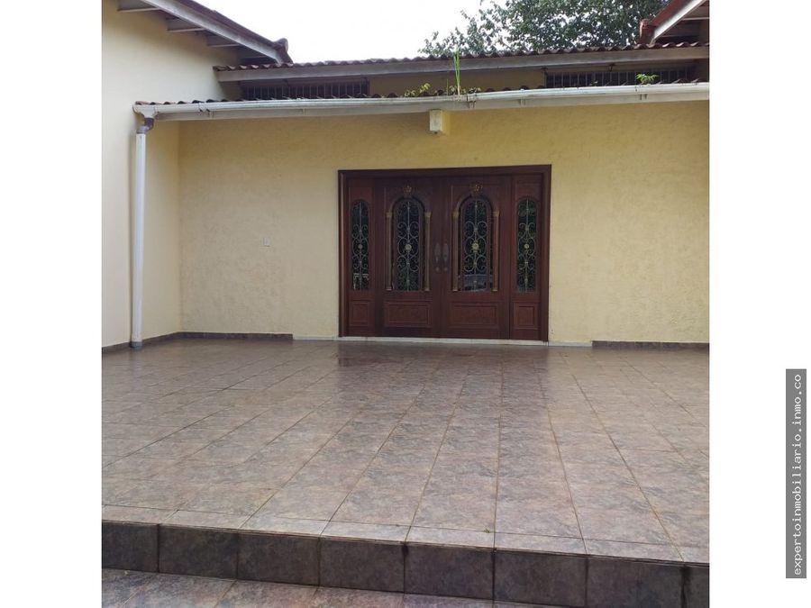 venta de terreno ccasa en villa lobos12300mts