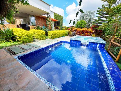 venta de casa campestre con piscina