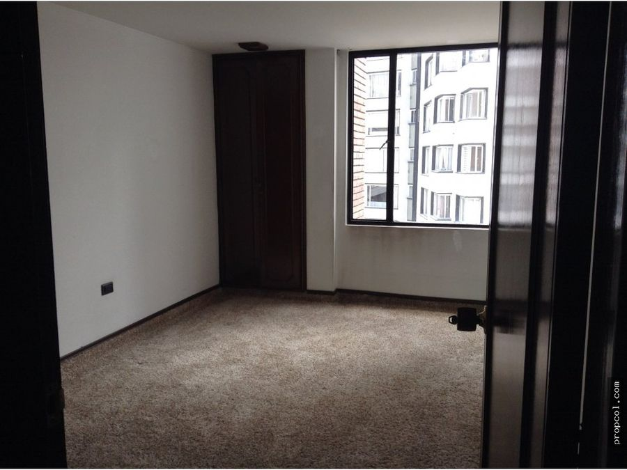 se vende apartamento en el refugio bogota