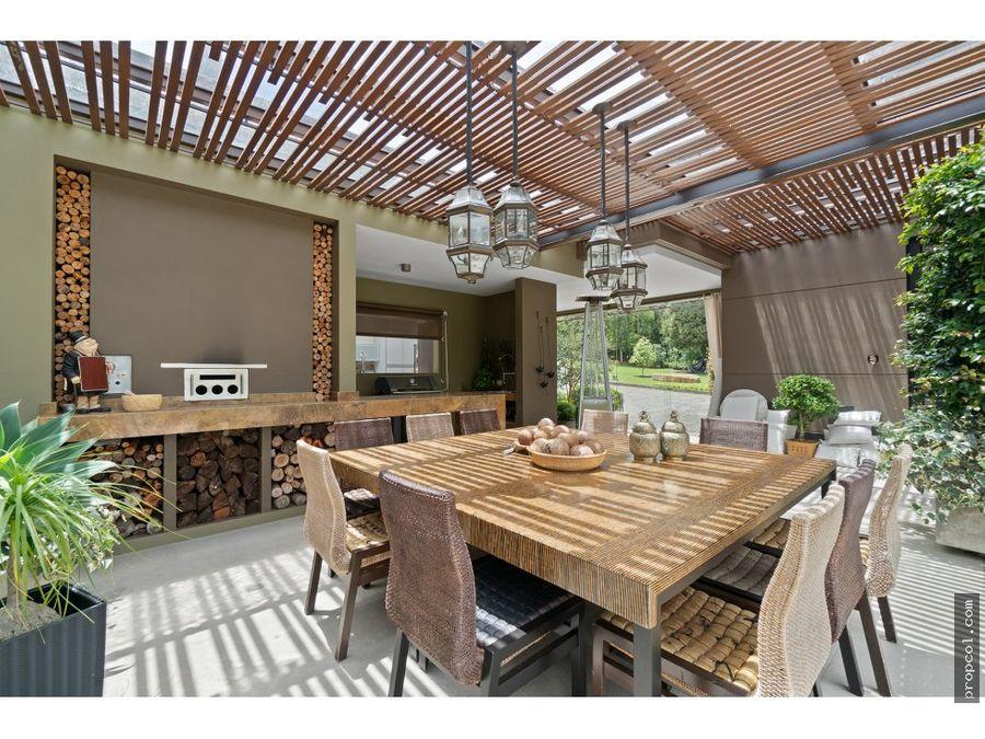 vendo espectacular casa en sindamanoy chia