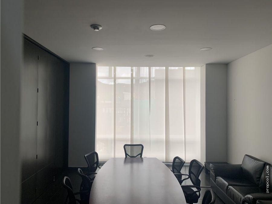 se vende oficina de 113 metros en usaquen bogota