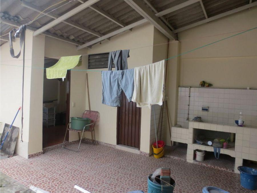 casa de un nivel 300 m2 centro de palmira