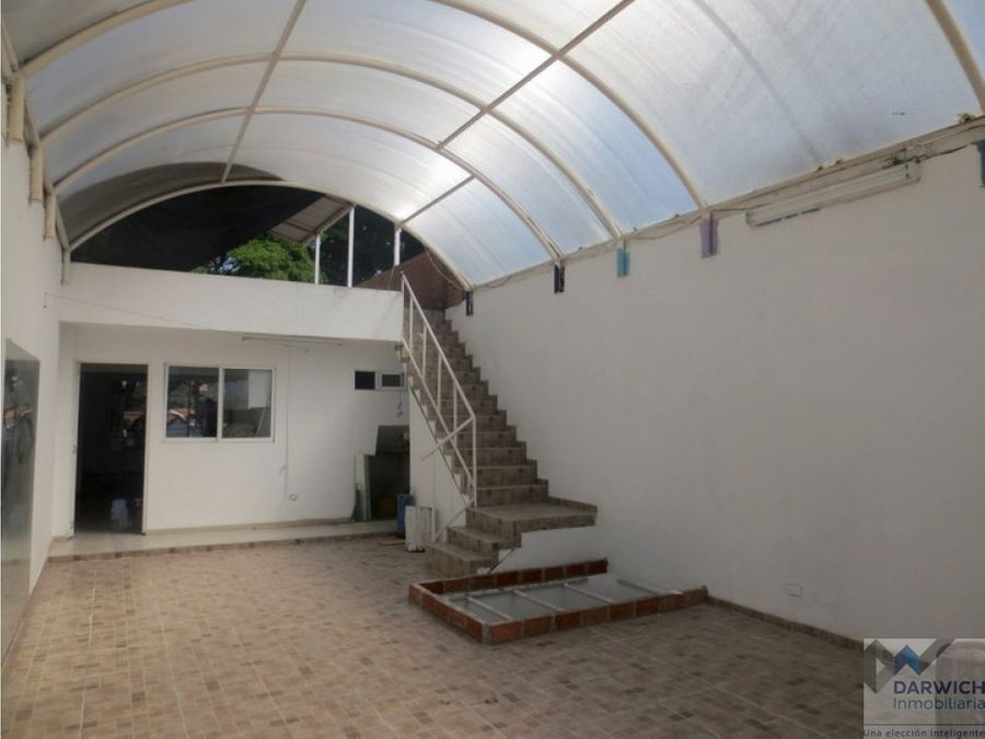 local con area de 168 m2 en las mercedes