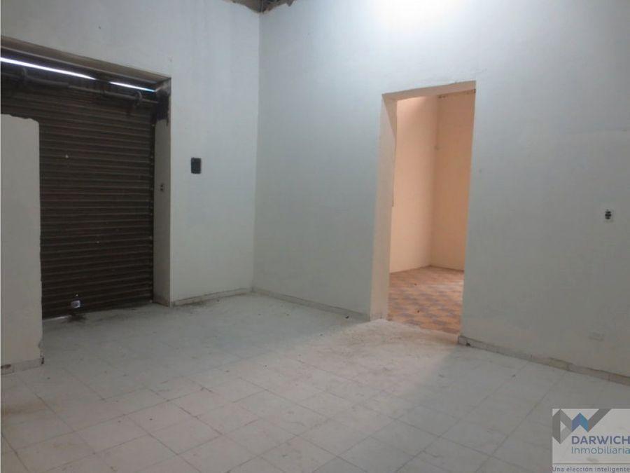 alquilo local esquinero centro de palmira 166 m2