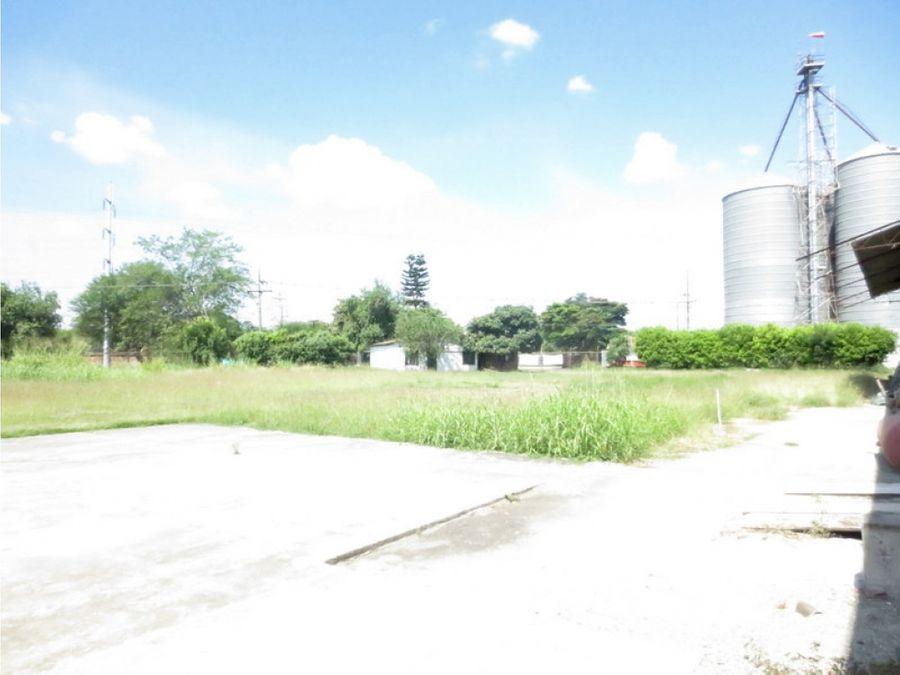 alquilo lote esquinero de 6180 m2 frente a harineras del valle