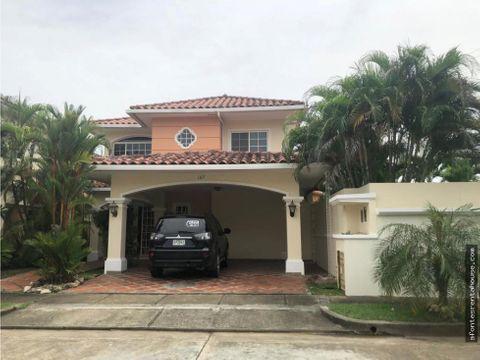hermosa casa en alquiler en costa sur af 202837