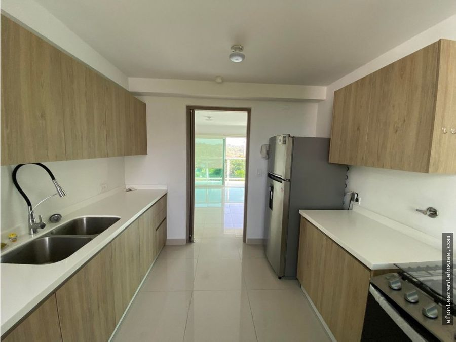 amplio apartamento en alquiler en albrook