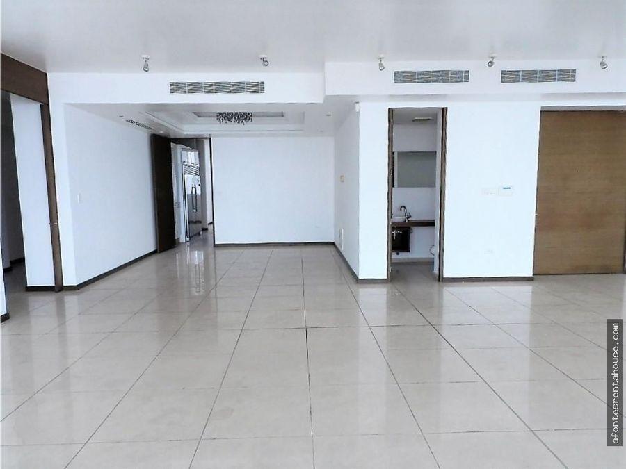 espacioso apartamento en venta en costa del este