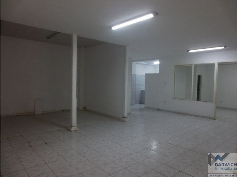 local centro de palmira 120 m2 en via principal