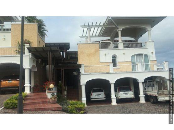 20 3049 af hermosa casa en venta en cocoli