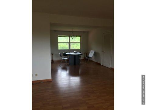 espacioso apartamento en alquiler en clayton