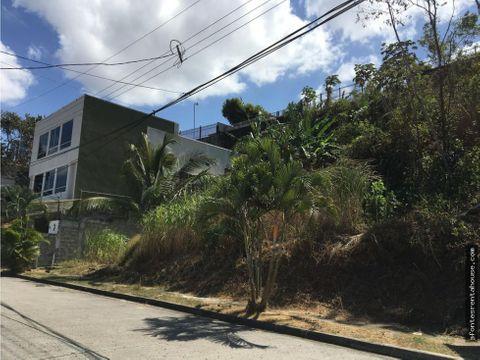 amplio terreno en venta en villa de las fuentes