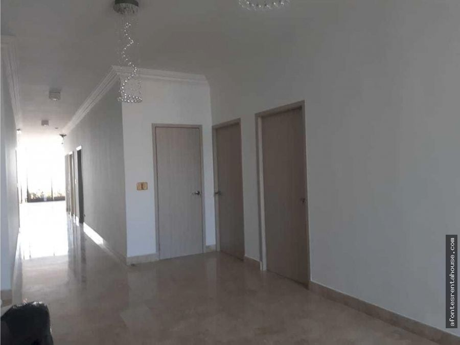 hermoso apartamento en venta en la cresta