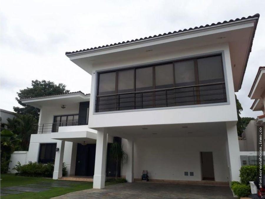 fabulosa casa en alquiler costa del este af202394