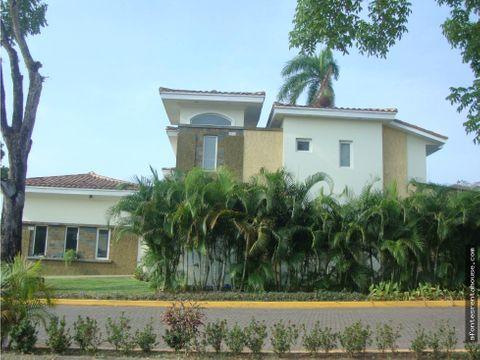grandiosa casa en alquiler en ancon af 207613