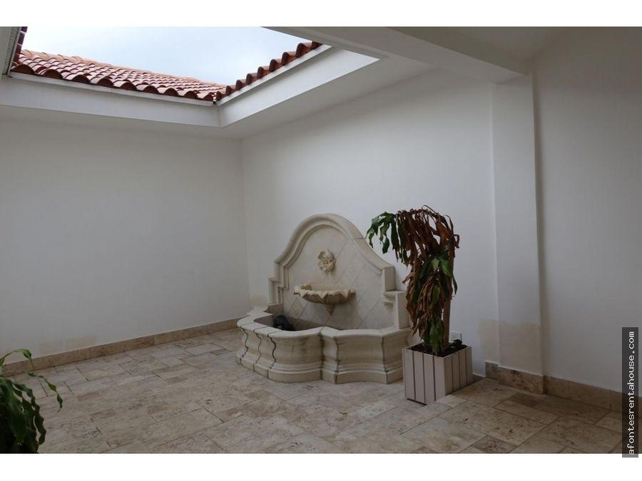 bella casa en venta en santa maria