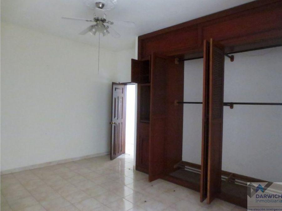 alquilo casa de 390 m2 en el centro palmira