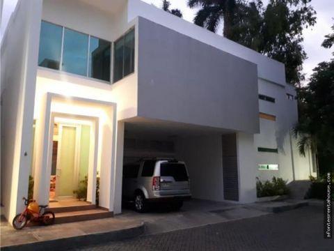 impecable casa en alquiler en altos del golf af 2010827