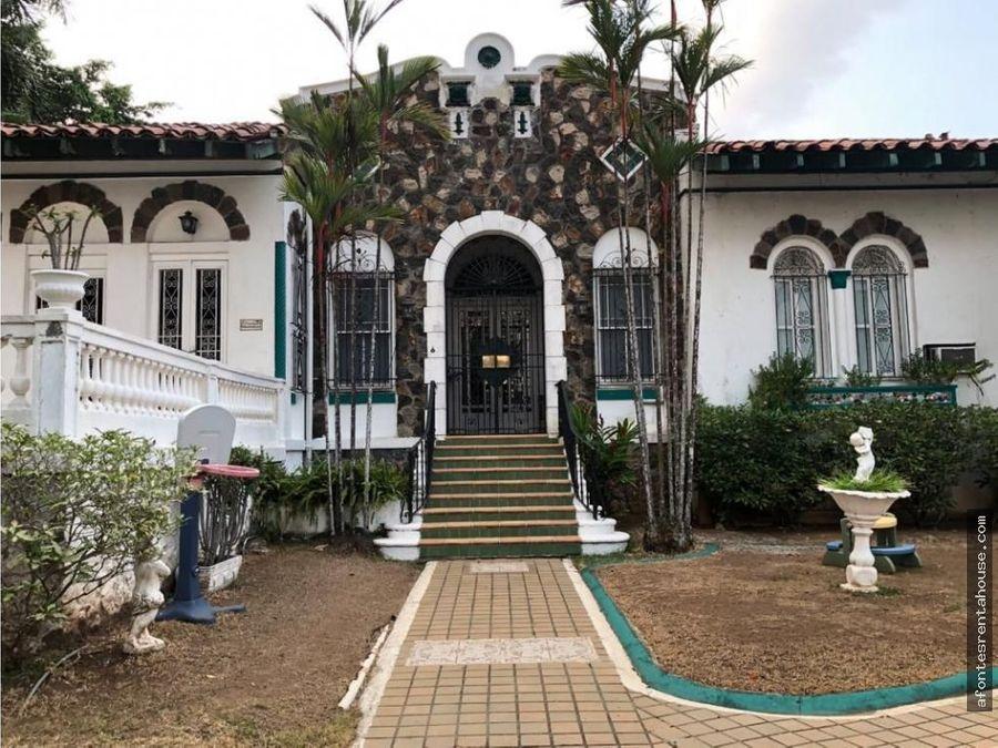 hermosa casa en venta en la cresta