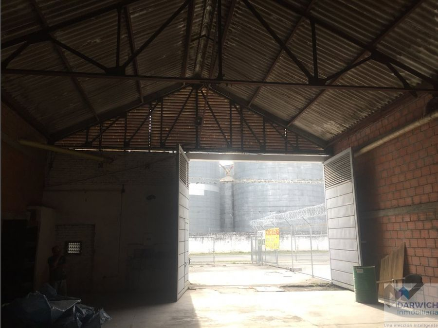 alquilo bodega en palmira 820 m2