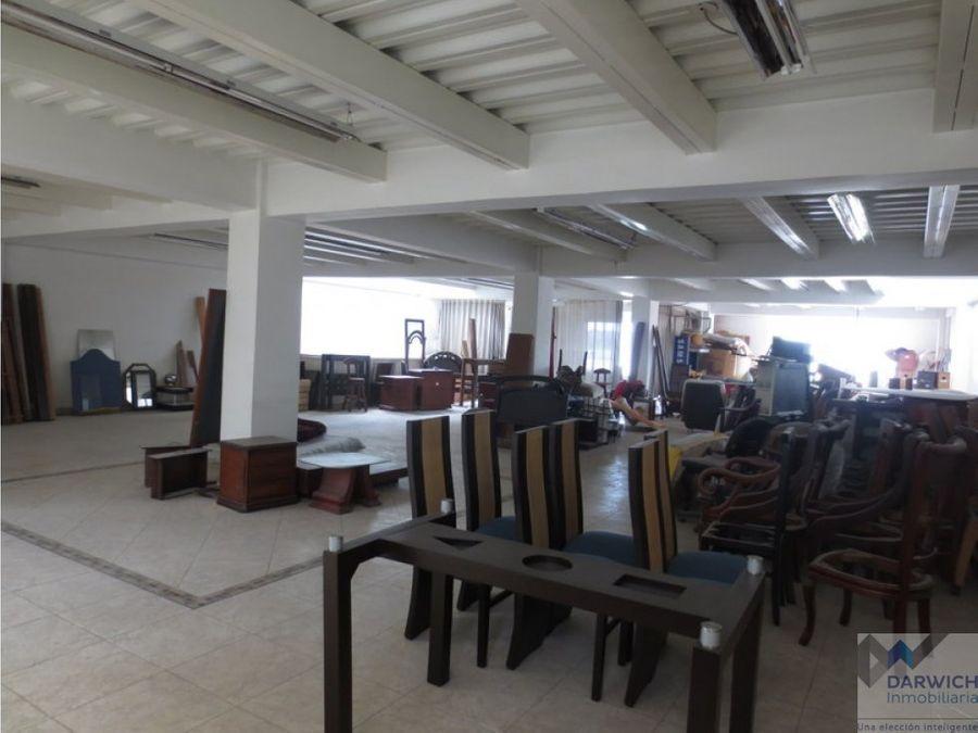 alquilo local de 640 m2 en el centro de palmira