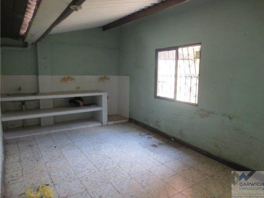 alquilo local de 82 m2 en el centro de palmira