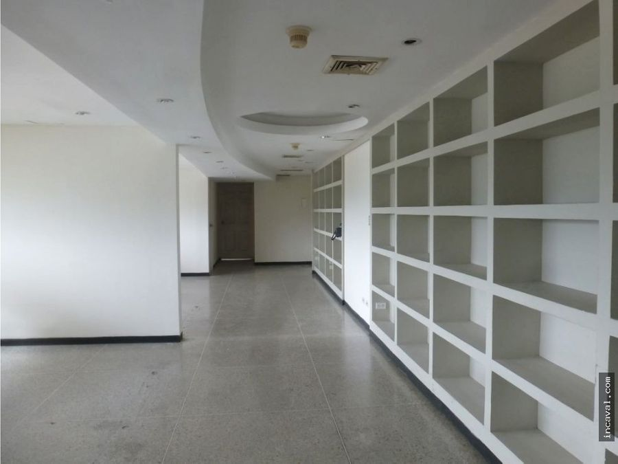 oficina en ccp av bolivar