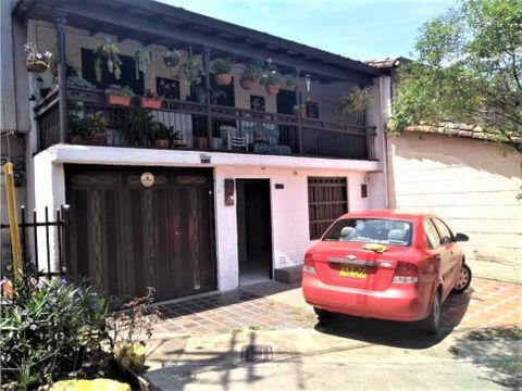 venta casa bifamiliar en envigado la paz