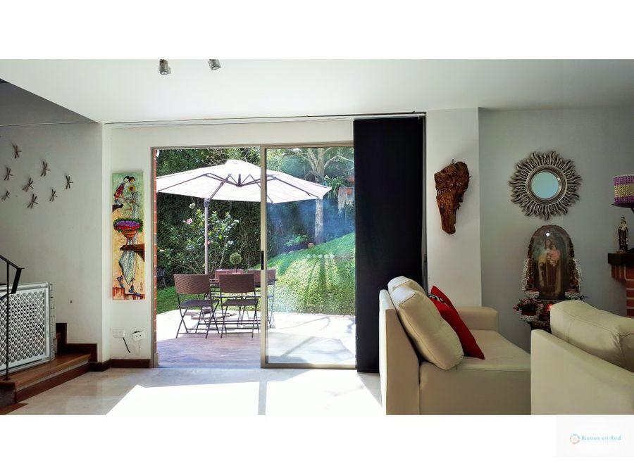 venta de casa en envigado sector terracina