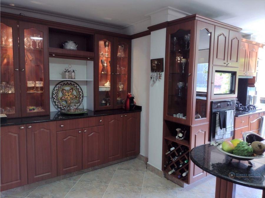 venta de apartamento duplex en laureles