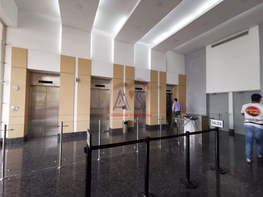 arriendo oficina en centro empresarial barranquilla