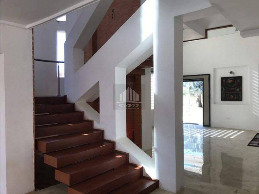 mac 331 casa losmas del country guataparo