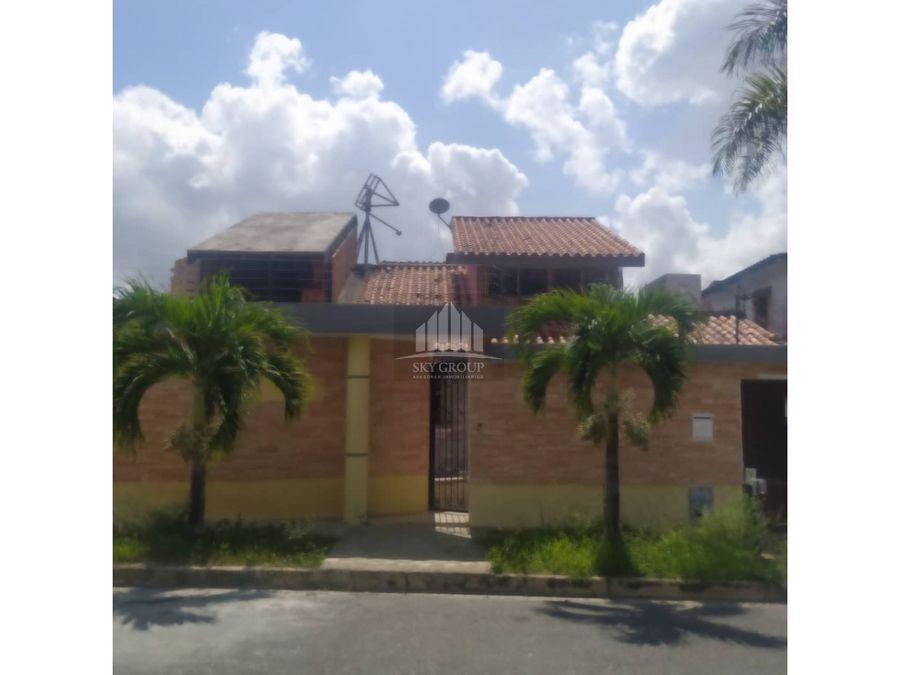plc 708 casa en el parral de 481mts