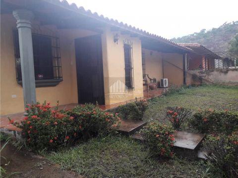 math 147 town house la cumaca