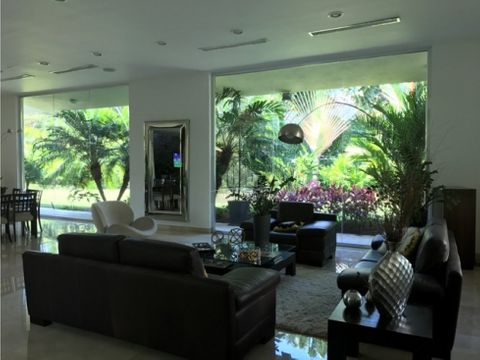 mac 330 casa hato royal 2500 m2